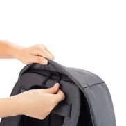 Bobby Compact plecak chroniący przed kieszonkowcami - różowy