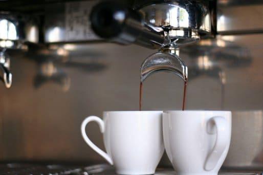 W czym podajesz kawę swojemu klientowi?